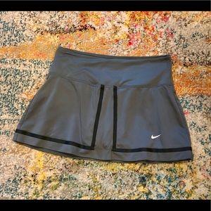 Nike green/gray skirt skort size small EUC